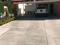 Casa de una planta en Villas del Mesón.