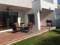 Exclusiva Residencia en Zona Esmeralda