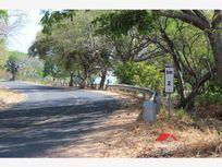 Finca/Rancho en Venta en Comala, 8.5 hectáreas con residencia a pie de carretera La Caja-Remate, Comala