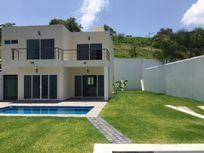 Casa en Venta en Fraccionamiento Lomas de Cuernavaca