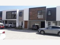 Casa en Venta en Venta, Con Nuevo Estilo Moderno De Vivir Zona Carcaña