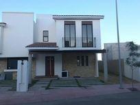 Casa en Renta en Desarrollo Habitacional Zibata