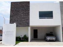 Casa en Venta en A SOLO DOS CUADRAS DEL CENTRO COMERCIAL LA EXPLANADA EN FRACC CERRADO