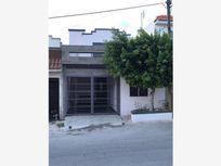Casa en Venta en Balcones de Zirandaro