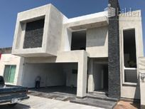 Casa en Venta en Fracc. El Roble Residencial