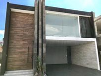 Casa en Venta en  FRACCIONAMIENTO MONTEOLIVO