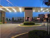 Casa muestra venta Calabria Residencial, APODACA