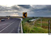 Terreno en la autopista Lerma Zitacuaro