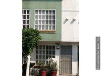 Casa en Venta en los Héroes Tecamac