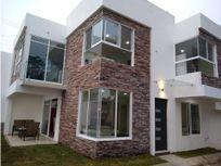 Casa en venta en privada de 8 casas: Casa 1