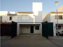 Casa en renta Fracc Campo Real