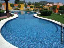 Casa con alberca en Garza Azul, Tezoyuca