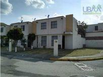Casa en Fraccionamiento laureles credito Fovissste