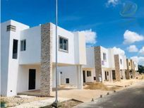 Últimas 3 casas en Residencial en Conkal