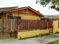 Casa 4D, 1B, amplio terreno, Barrio Residencial