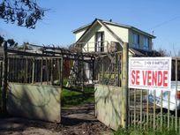 Se Vende Terreno de ( 952 m2 ) con Amplia y Bonita Casa 106m