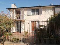 Vende Casa 4D 2B 3E, Comuna La Cisterna