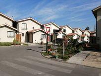 Vende casa Condominio Lombardi, 3 dormitorios, 3 baños, 2 Bx