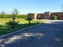 Amplia casa en  venta ,condominio sector la Obra, Los Nichws