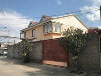 Casa 2 pisos con local comercial de 243 M2 de terreno