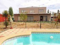 Casa en Pirque sector Lo Arcaya 6D/4B en 1.100m2 con piscina