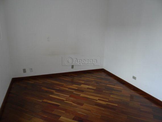 """Casa com 3 quartos e Wc empregada, São Paulo, <span itemprop=""""addressLocality"""">Santana de Parnaíba</span>, por <span itemscope="""""""" itemtype=""""http://schema.org/TradeAction""""><span itemprop=""""price"""">R$ 895.000</span></span>"""