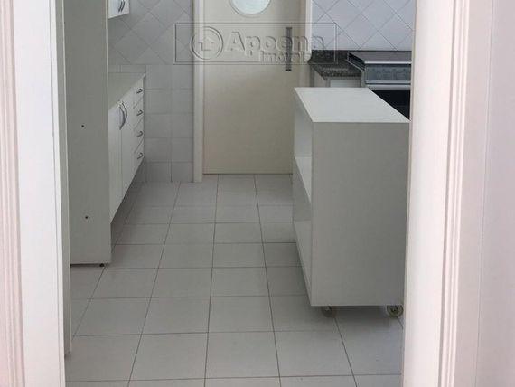"Casa com 4 quartos e Piscina, São Paulo, <span itemprop=""addressLocality"">Barueri</span>, por <span itemscope="""" itemtype=""http://schema.org/TradeAction""><span itemprop=""price"">R$ 1.900.000</span></span>"