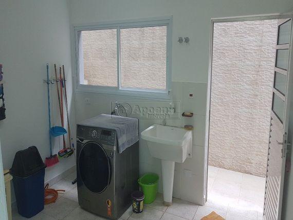 "Casa com 5 quartos e 3 Suites, São Paulo, <span itemprop=""addressLocality"">Barueri</span>, por <span itemscope="""" itemtype=""http://schema.org/TradeAction""><span itemprop=""price"">R$ 1.600.000</span></span>"