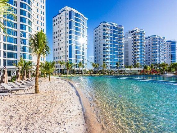 "Apartamento com 4 quartos e Area servico, Itajaí, <span itemprop=""addressLocality"">Praia Brava</span>, por <span itemscope="""" itemtype=""http://schema.org/TradeAction""><span itemprop=""price"">R$ 4.300.000</span></span>"