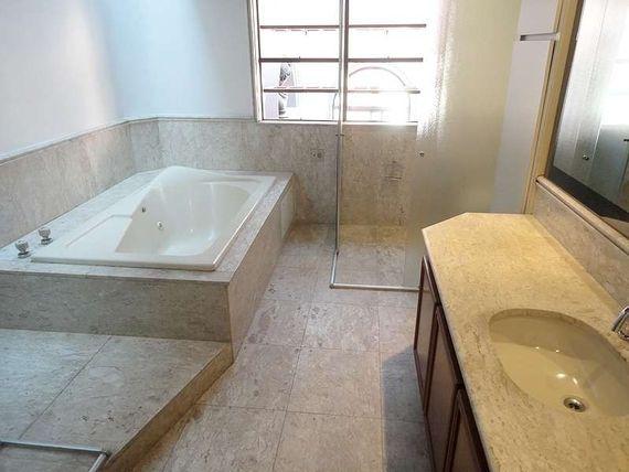 """Cobertura com 5 quartos e Sala ginastica, São Paulo, <span itemprop=""""addressLocality"""">Itaim Bibi</span>, por <span itemscope="""""""" itemtype=""""http://schema.org/TradeAction""""><span itemprop=""""price"""">R$ 5.900.000</span></span>"""