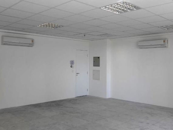 """Escritório com 1 banheiro, São Paulo, <span itemprop=""""addressLocality"""">Chácara Santo Antônio</span>, por <span itemscope="""""""" itemtype=""""http://schema.org/TradeAction""""><span itemprop=""""price"""">R$ 2.290</span></span>"""