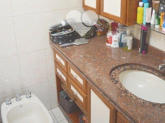 """Apartamento com 3 quartos e Elevador, Porto Alegre, <span itemprop=""""addressLocality"""">Rio Branco</span>, por <span itemscope="""""""" itemtype=""""http://schema.org/TradeAction""""><span itemprop=""""price"""">R$ 870.000</span></span>"""