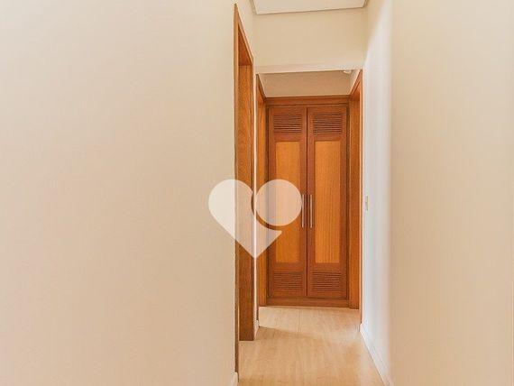 """Apartamento com 3 quartos e Sauna, Porto Alegre, <span itemprop=""""addressLocality"""">Floresta</span>, por <span itemscope="""""""" itemtype=""""http://schema.org/TradeAction""""><span itemprop=""""price"""">R$ 1.450.000</span></span>"""