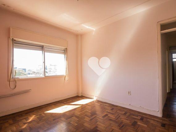 """Apartamento com 2 quartos e 2 Elevador, Porto Alegre, <span itemprop=""""addressLocality"""">Centro Histórico</span>, por <span itemscope="""""""" itemtype=""""http://schema.org/TradeAction""""><span itemprop=""""price"""">R$ 300.000</span></span>"""