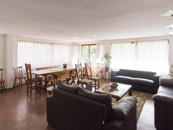 """Apartamento com 3 quartos e Salao festas, Porto Alegre, <span itemprop=""""addressLocality"""">Rio Branco</span>, por <span itemscope="""""""" itemtype=""""http://schema.org/TradeAction""""><span itemprop=""""price"""">R$ 564.000</span></span>"""