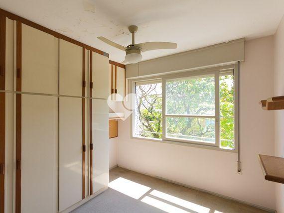 """Apartamento com 3 quartos e 3 Andar, Porto Alegre, <span itemprop=""""addressLocality"""">Santa Cecília</span>, por <span itemscope="""""""" itemtype=""""http://schema.org/TradeAction""""><span itemprop=""""price"""">R$ 420.000</span></span>"""