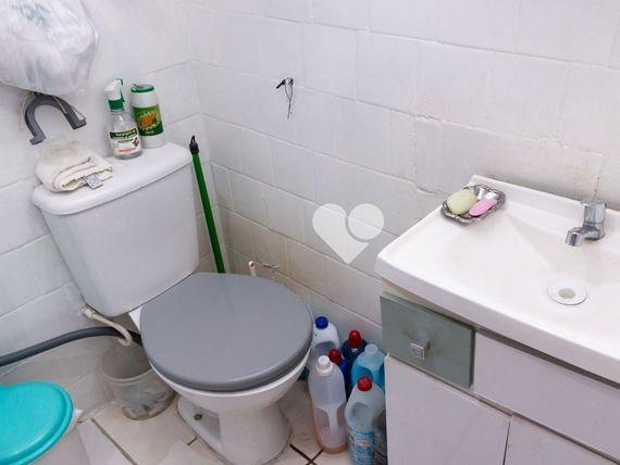 """Apartamento com 3 quartos e Area servico, Porto Alegre, <span itemprop=""""addressLocality"""">Centro Histórico</span>, por <span itemscope="""""""" itemtype=""""http://schema.org/TradeAction""""><span itemprop=""""price"""">R$ 230.000</span></span>"""