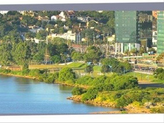 """Casa com 3 quartos e 3 Suites, Porto Alegre, <span itemprop=""""addressLocality"""">Vila Assunção</span>, por <span itemscope="""""""" itemtype=""""http://schema.org/TradeAction""""><span itemprop=""""price"""">R$ 3.995.000</span></span>"""