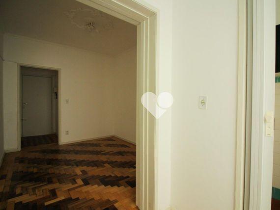 """Apartamento com 3 quartos e 2 Elevador, Porto Alegre, <span itemprop=""""addressLocality"""">Floresta</span>, por <span itemscope="""""""" itemtype=""""http://schema.org/TradeAction""""><span itemprop=""""price"""">R$ 315.000</span></span>"""