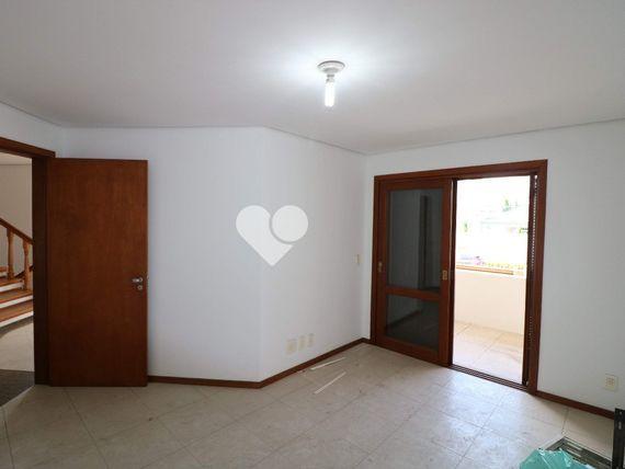 """Casa com 6 quartos e Quintal, Canoas, <span itemprop=""""addressLocality"""">Centro</span>, por <span itemscope="""""""" itemtype=""""http://schema.org/TradeAction""""><span itemprop=""""price"""">R$ 7.500</span></span>"""