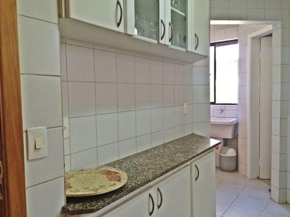 """Apartamento com 2 quartos e Varanda, Belo Horizonte, <span itemprop=""""addressLocality"""">Gutierrez</span>, por <span itemscope="""""""" itemtype=""""http://schema.org/TradeAction""""><span itemprop=""""price"""">R$ 2.000</span></span>"""