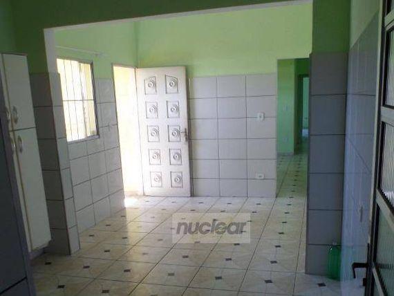 """Casa com 2 dormitórios para alugar, 45 m² por <span itemscope="""""""" itemtype=""""http://schema.org/TradeAction""""><span itemprop=""""price"""">R$ 900</span></span>/mês - <span itemprop=""""addressLocality"""">São Mateus</span> - São Paulo/SP"""
