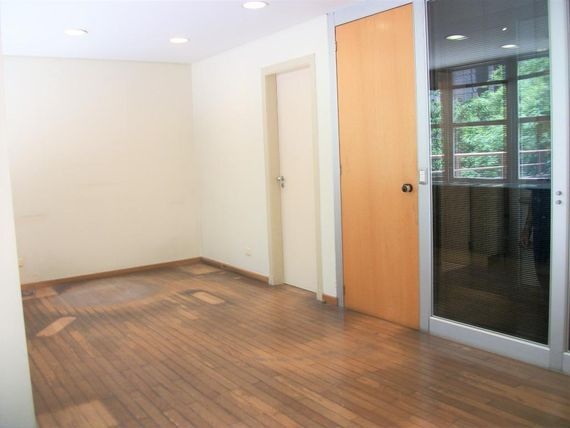 "171 m² por <span itemscope="""" itemtype=""http://schema.org/TradeAction""><span itemprop=""price"">R$ 2.500.000</span></span>- <span itemprop=""addressLocality"">Bela Vista</span> - São Paulo/SP"