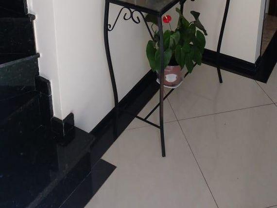 "Casa com 3 dormitórios à venda, 82 m² por <span itemscope="""" itemtype=""http://schema.org/TradeAction""><span itemprop=""price"">R$ 425.000</span></span>- Granja Viana - <span itemprop=""addressLocality"">Cotia</span>/SP"