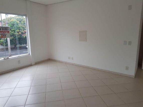 "Sala para alugar, 70 m² por <span itemscope="""" itemtype=""http://schema.org/TradeAction""><span itemprop=""price"">R$ 2.500</span></span>/mês - <span itemprop=""addressLocality"">Jardim Panorama</span> - São José do Rio Preto/SP"