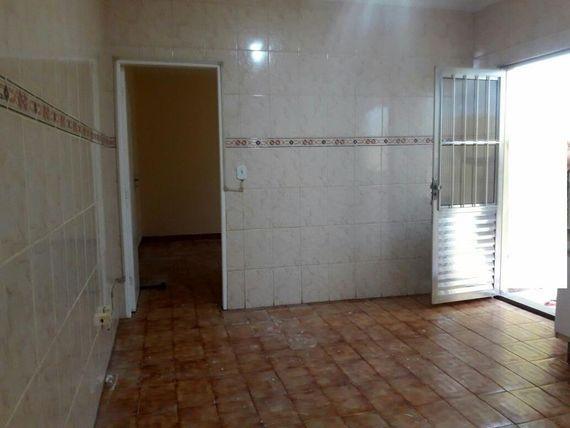 "Casa com 2 dormitórios para alugar, 100 m² por <span itemscope="""" itemtype=""http://schema.org/TradeAction""><span itemprop=""price"">R$ 1.100</span></span>/mês - Jardim Brasília (Zona Leste) - São Paulo/SP"