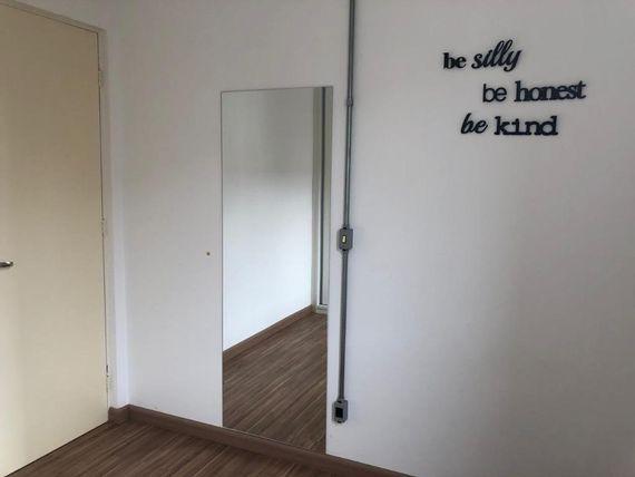 "Apartamento com 2 dormitórios para alugar, 49 m² por <span itemscope="""" itemtype=""http://schema.org/TradeAction""><span itemprop=""price"">R$ 700</span></span>/mês - Vale do Sol - <span itemprop=""addressLocality"">Piracicaba</span>/SP"