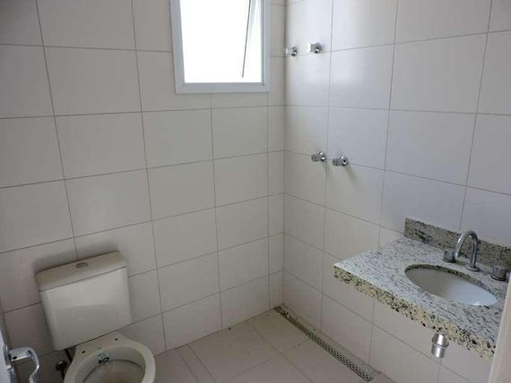 """Casa com 4 dormitórios à venda, 206 m²  - Chácara do Refúgio - <span itemprop=""""addressLocality"""">Carapicuíba</span>/SP, Granja Viana"""