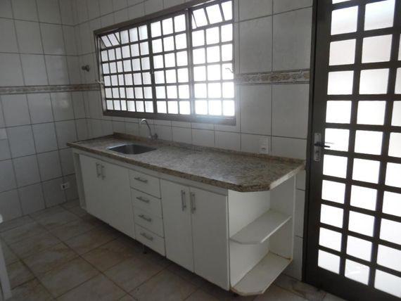 """Casa residencial para locação, Jardim Glória, <span itemprop=""""addressLocality"""">Americana</span>."""