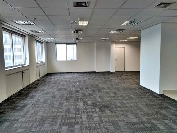 "230 m² por <span itemscope="""" itemtype=""http://schema.org/TradeAction""><span itemprop=""price"">R$ 24.000</span></span>/mês - <span itemprop=""addressLocality"">Moema</span> - São Paulo/SP"